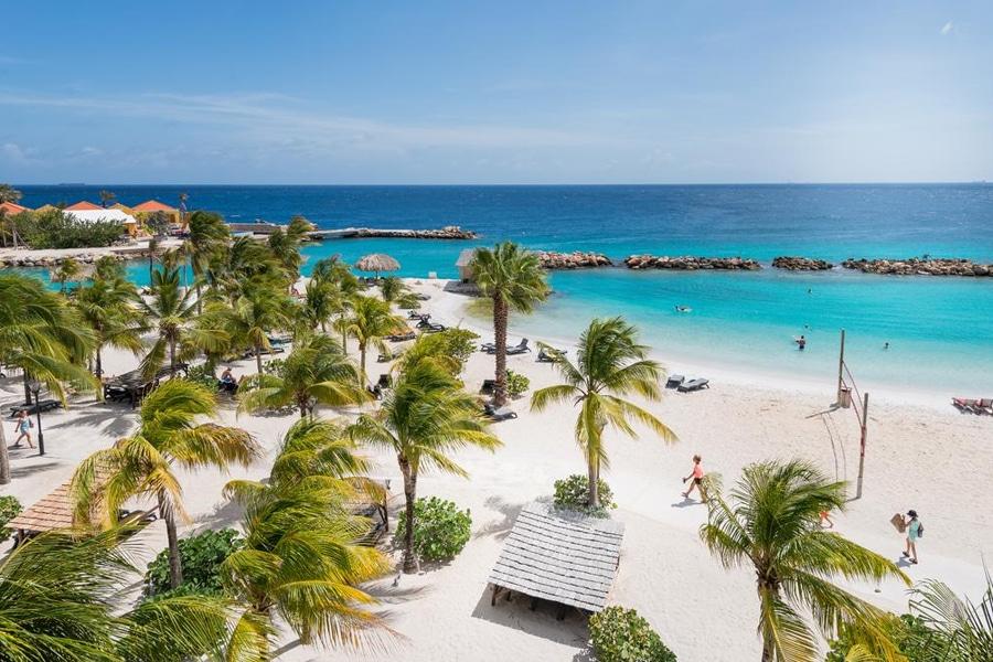 Hotel Lions Dive Beach Resort