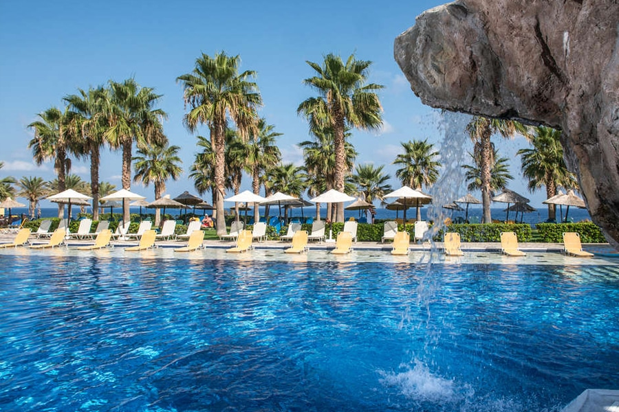 Hotel Radisson Blu Beach Resort