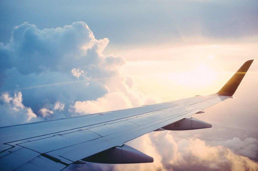 10 tips om een lange vlucht te overleven