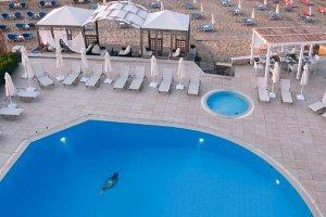 Aparthotel Akrogiali Beach zwembad