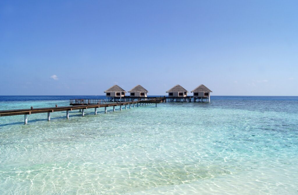 Vliegen naar de Malediven: vliegroutes, kosten en tips