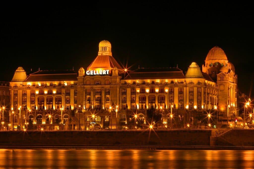 Leukste badhuizen in Boedapest & wat je moet weten