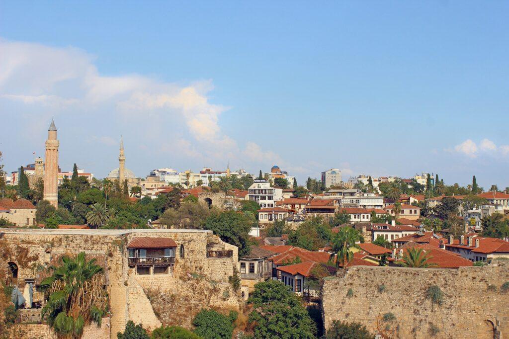 Reisgids Antalya: Onze favorieten bezienswaardigheden, stranden en tips