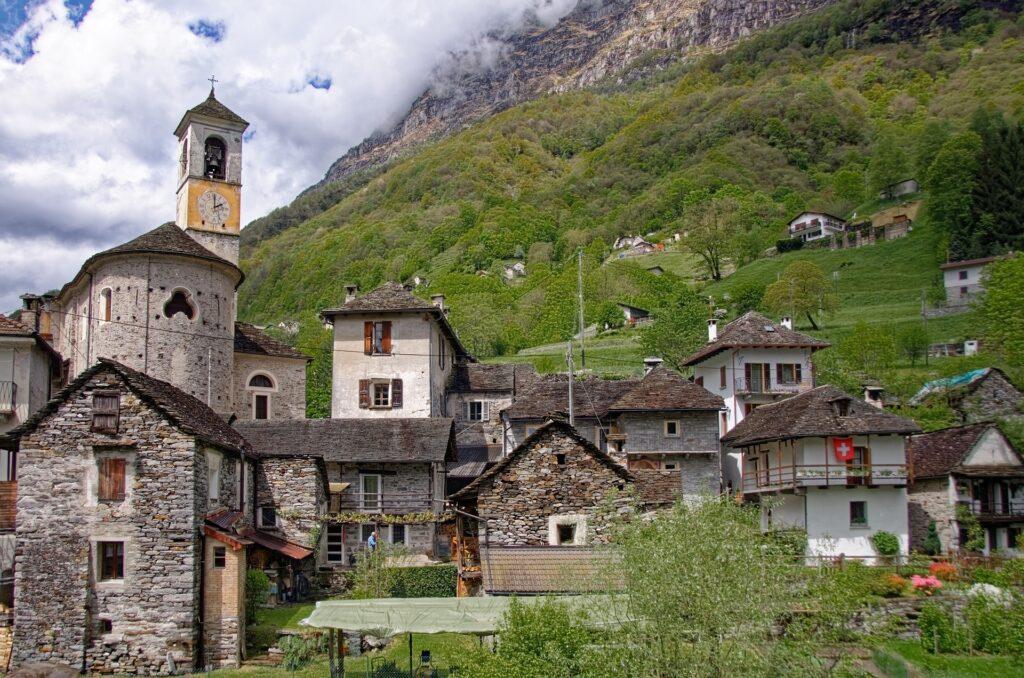 Het fotogenieke Zwitserse dorpje Lavertezzo en wat je er kan doen