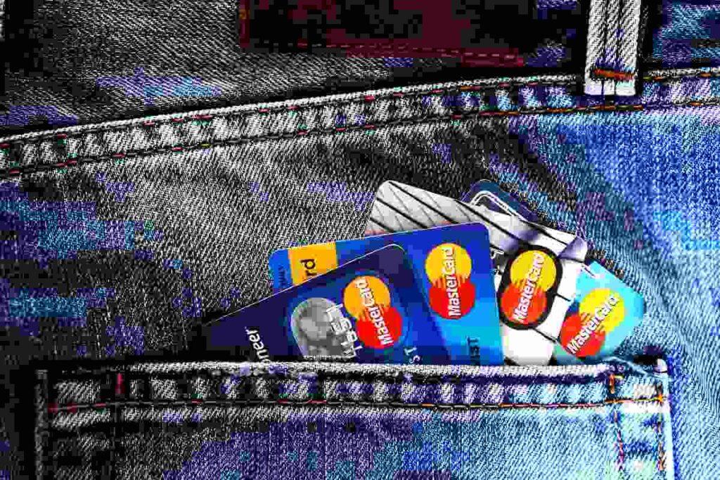 Creditcard mee tijdens het reizen? Voor- en nadelen