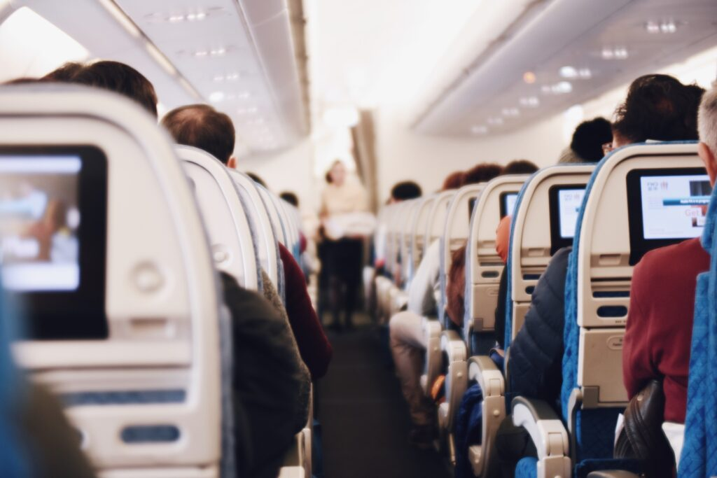 Lekker slapen vliegtuig? De beste tips & beste nekkussens