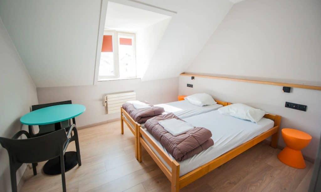 Jacques Brel Youth Hostel kamer 1024x614
