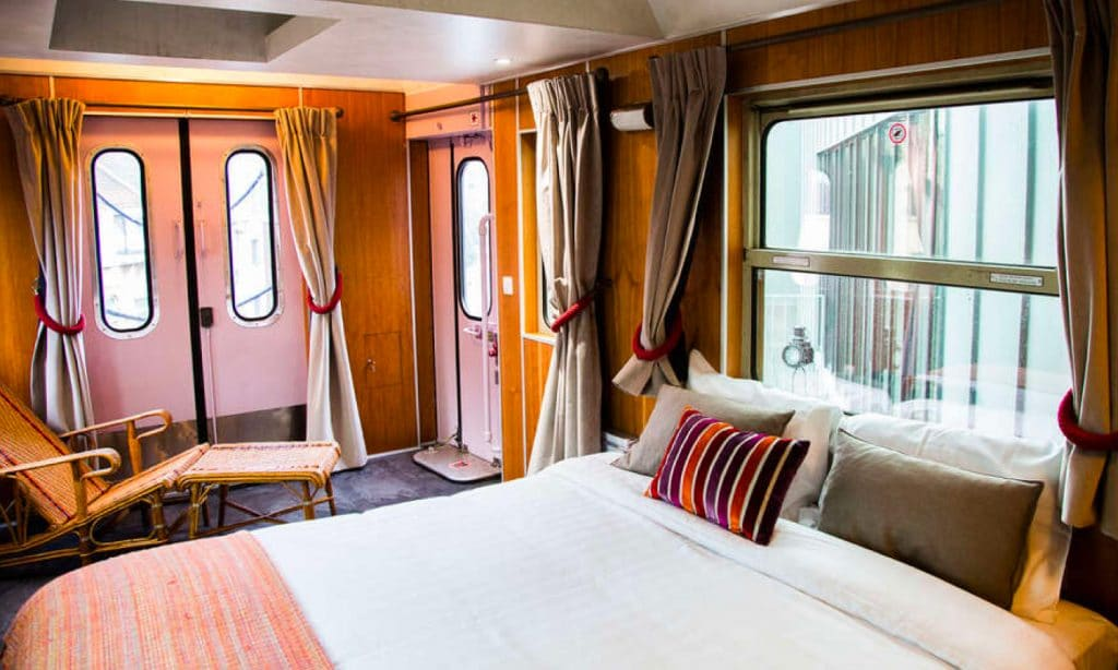 train hostel brussel 1024x614